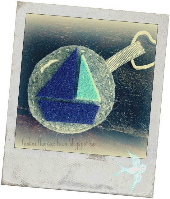Schlüsselanhänger Segelboot aus Filz
